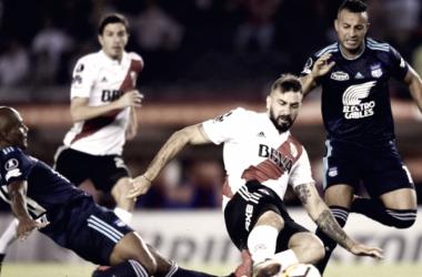 Pratto volvió al gol y fue un dolor de cabeza para los defensores ecuatorianos durante toda la tarde.