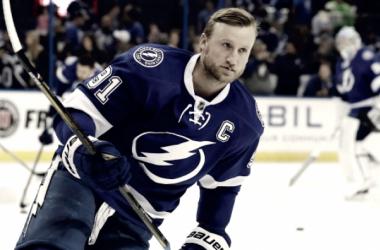 Dos jugadores de Tampa Bay en las estrellas de la semana de la NHL