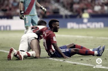 Elustondo y Lemar en un lance del partido. Foto: La Liga