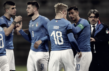 Los azzurrini celebran el gol del empate | Foto: FIGC