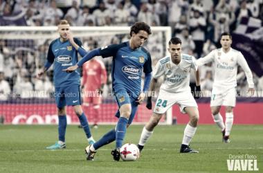 Luis Milla jugando contra el Real Madrid. Fuente: Daniel Nieto