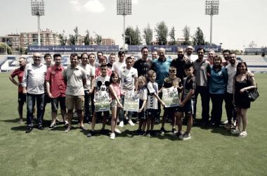 Prensa, afición, jugadores y directiva presentando la nueva campaña. Foto: Sandra Dihor