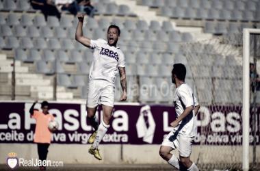 Ramón celebrando el primer gol del encuentro FOTO:Real Jaén C.F