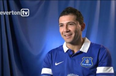 Everton acerta com o zagueiro Antolín Alcaraz