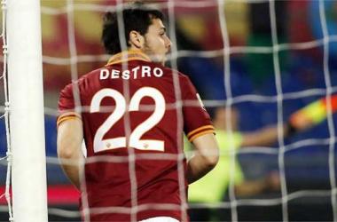 Com doppietta de Destro, Roma vence Sampdoria em casa