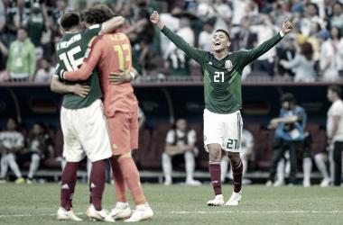 Héctor Herra, Guillermo Ochoa y Edson Álvarez festejan la victoria ante Alemania   Foto @miseleccionmx