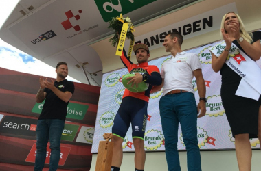 Sonny Colbrelli sul podio di Gansingen. Fonte: Tour de Suisse/Twitter
