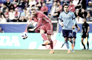 Royer playing a pass for RBNY. | Photo: New York Red Bulls