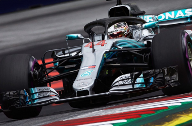 F1, Gp di Gran Bretagna - Mercedes, che caduta di stile! - Twitter