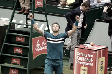 Coric festeja tras su primer triunfo ante Federer.   Foto: Prensa Gerry Weber Open.