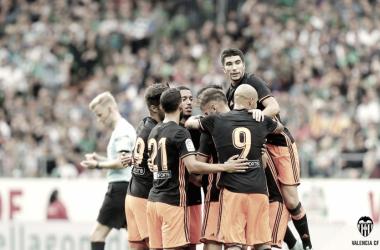 Parejo y Lato otorgan un nuevo triunfo al Valencia CF