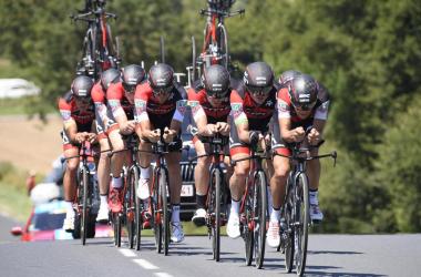 Tour de France, la BMC vince la cronosquadre: Van Avermaet maglia gialla | Twitter Le Tour de France