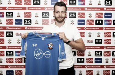 Gunn, de pasado por todas las juveniles inglesas, defenderá el arco de Southampton en la próxima campaña | Foto: Southampton