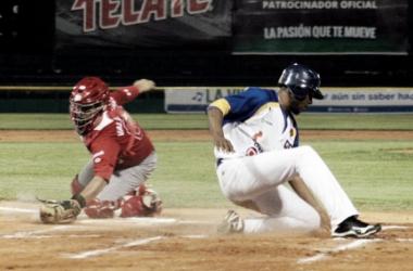 El cátcher Valenzuela tuvo actividad a la ofensiva y defensiva | Foto: LMB