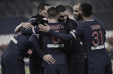 No primeiro jogo de Pochettino em Paris, PSG vence Brest com tranquilidade e segue na luta pela liderança