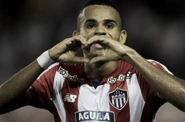 PARTIÓ EL CORAZÓN. Díaz rompió los corazones de los hinchas del Millonario que querían su arribo a Núñez. <br>