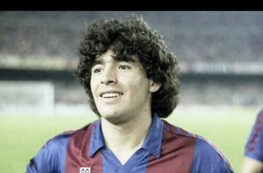 Diego Maradona, una luz de paso en Can Barça