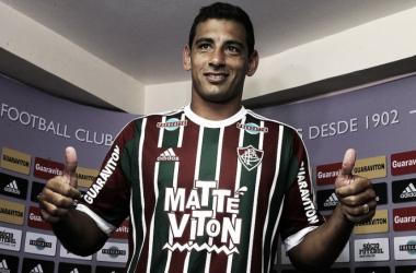 Diego Souza é oficialmente apresentado no Fluminense