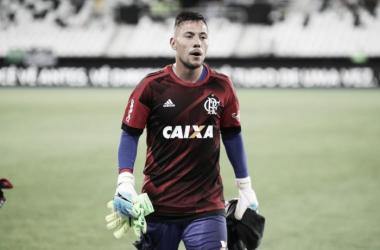 """Diego Alves avalia revés para o Botafogo: """"Derrota nunca é fácil de digerir"""""""