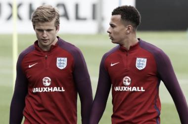 Eric Dier y Dele Alli, compañeros en la selección y en Tottenham. Foto: TheFA.