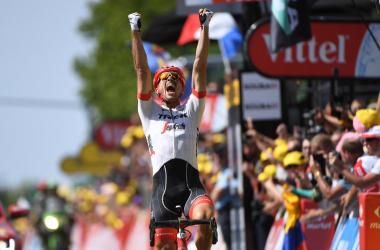 Tour de France 2018 - Degenkolb torna re del pavè, sconfitto Van Avermaet; in ritardo Uran