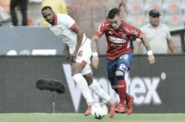 Leonardo Castro DIM y Juan David Valencia Santa Fe | Foto: El Comercio