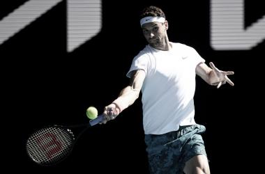 Dimitrov domina atual vice-campeão Thiem e segue no Australian Open