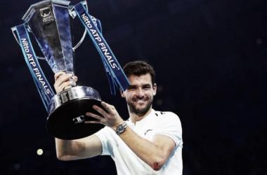 Dimitrov levanta el título de las ATP Finals. Foto: Zimbio