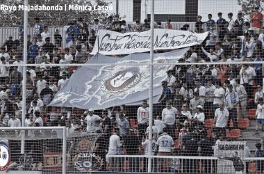 Tifo en el Estadio Cerro Del Espino la temporada pasada. Twitter: @RMajadahonda