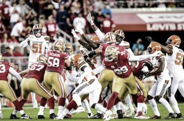 San Francisco hizo lo que quiso en casa y deshizo a la defensiva de los Browns | Foto: Cleveland Browns