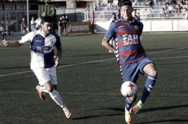 Borja Rubiato guía al Ebro hasta la primera victoria de la temporada