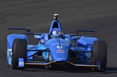 Scott Dixon conquista la pole della Indianapolis 500, quinto Alonso