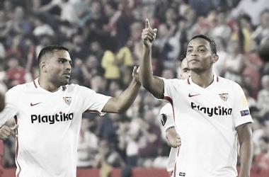 Mercado y Muriel en el último partido disputado por Sevilla FC | Foto: Sevilla FC