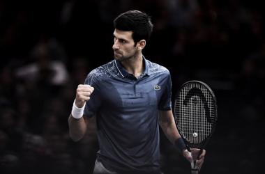 Novak Djokovic celebra un punto durante un partido en París-Bercy. Foto: zimbio.com