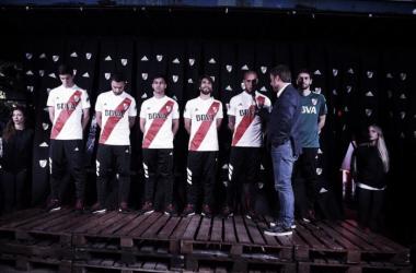 River y la presentación de su nueva camiseta (Foto: Prensa River)