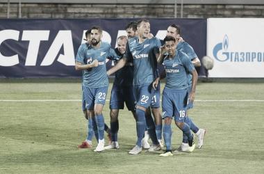 Equipe russa reverteu o placar de 4 a 0 que foi construído pelos adversários no primeiro jogo (Foto: Divulgação/Zenit)