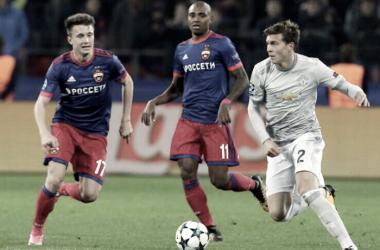 Lindelof ante el CSKA (twitter oficial Lindelöf)