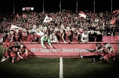 La plantilla de Toronto FC posa para una foto histórica. / Foto: torontofc.ca