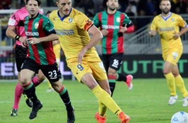 Serie B: vincono le tre big, tonfi dolorosi per Perugia e Spezia