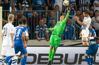 Alexander Brunst makes a save.   Photo: Bundesliga.