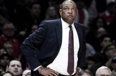 Doc Rivers tacha de broma el arbitraje recibido en Houston