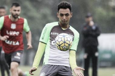 Dodô atuou no Figueirense em 2016, entrando em campo 29 vezes e marcando quatro gols (Foto: Luiz Henrique/Figueirense FC)