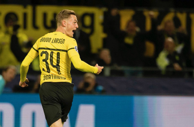 Jacob Brunn Larsen celebrates the opening goal. | Photo: Borussia Dortmund.