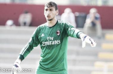 Aos 16 anos, Gianluigi Donnarumma afirma-se como titular do AC Milan