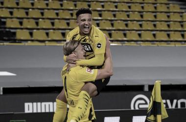Avassalador no segundo tempo, Borussia Dortmund vence Schalke no Revierderby