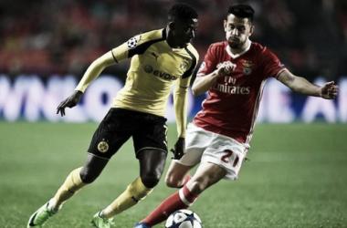 Azione di gioco tra Benfica e Dortmund   Source: calciomercato.com