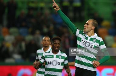 Golos de Bas Dost deram a vitória ao Sporting diante do Desportivo de Chaves. GettyImages