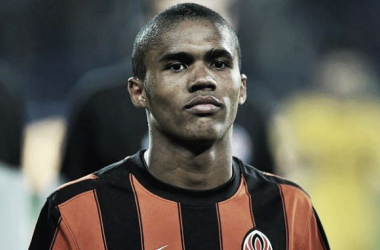 Douglas Costa may be the first player Chelsea will sign this summer (Picture: Telgraph)