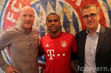 Por 35 milhões: Douglas Costa assina pelo Bayern Munique