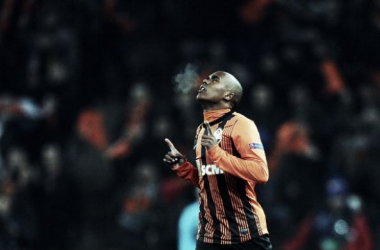 Em venda de Douglas Costa, Grêmio deve receber 1 milhão de euros